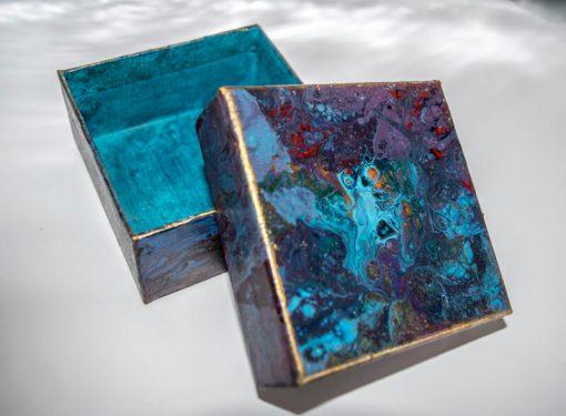 Hand decorated Keepsake - Gift box Top Interior